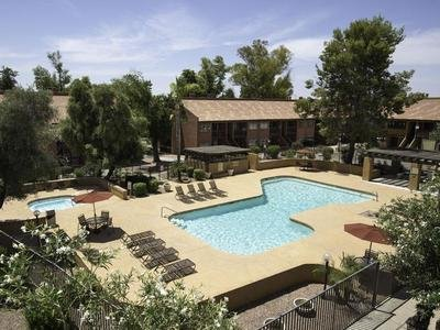Woodstream Village Apartments in Mesa, AZ